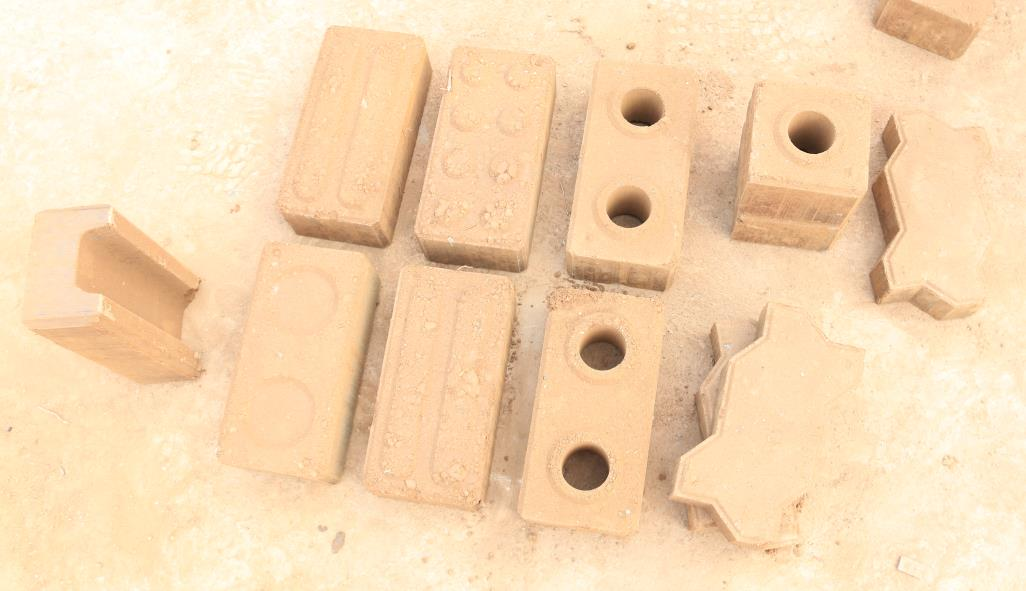 Machine Clay Soil Concrete Manual Electric Clay Lego Brick Making Machine Eco Brave Making Machinery QT2-25