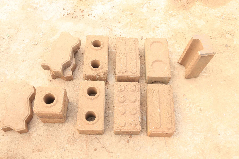 Ivory Coast Clay Bricks Making Machine Lowest Price Clay Block Making Machine Contampact Earth Block Machine